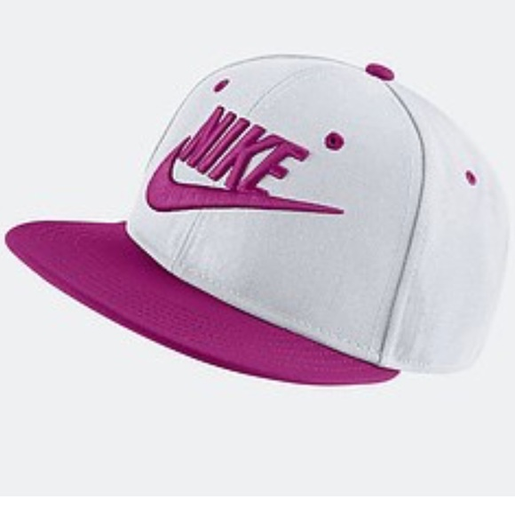 02b728b063b5 Nike Girls Cap Hat